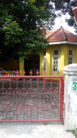 rumah lama di Depok untuk les anak-anak