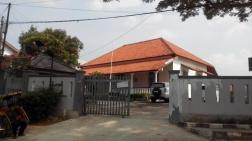sekolah dengan bangunan lama di Depok