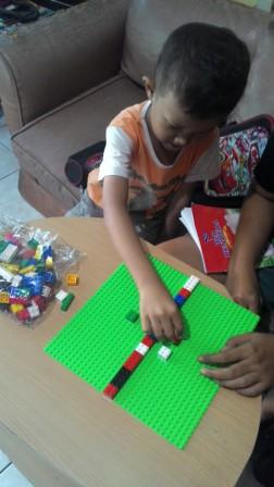 belajar berhitung dengan lego