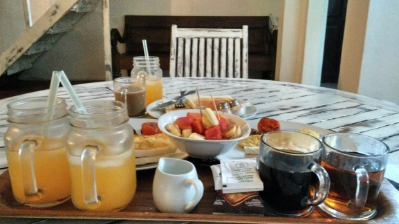 sarapan sendiri seperti hidup sehari-hari