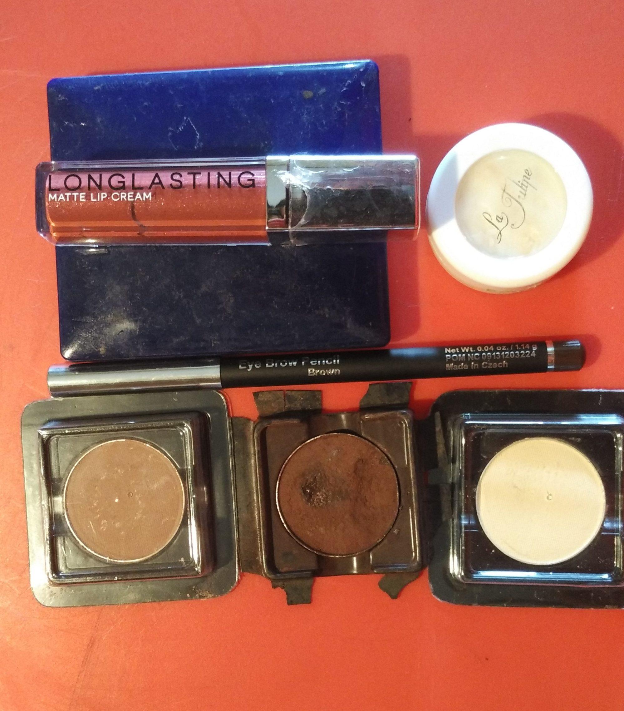 lt-pro-eye-shadow-and-lipstick.jpg.jpeg